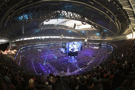 straits superstar finale sets concert attendance record