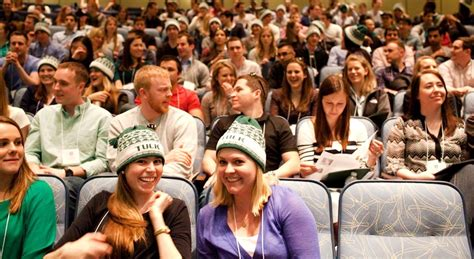 Dartmouth Tuck Mba Class Profile by Tuck School Of Business Dartmouth College About Tuck