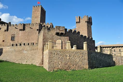 castillos y fortalezas de el castillo de javier castillos fortalezas y palacios de navarra