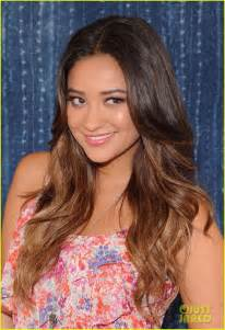 shay mitchell hair color pretty liars emily fields pretty liars