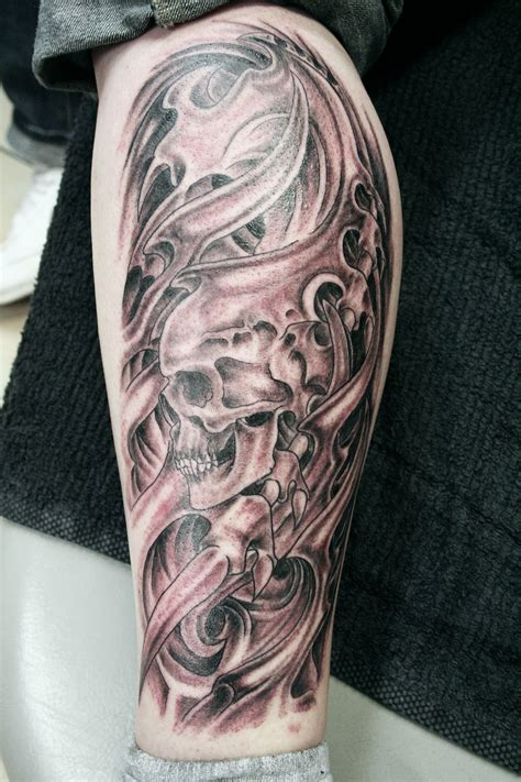 skull leg tattoo designs biomechanic skull leg by 2face on deviantart