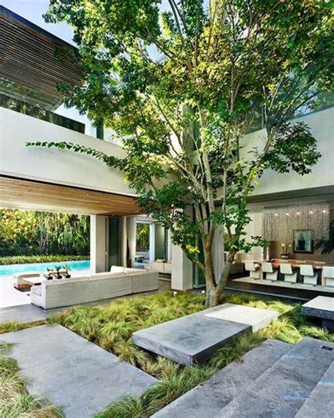 Courtyard Ideas Design by 29 Stunning Indoor Courtyard Design Ideas Digsdigs