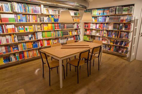 libreria via orari la nuova libreria feltrinelli in via de cerretani 1 di 1
