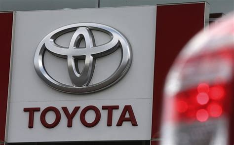 Toyota Acceleration Problem Cause Toyota Agrees To Billion Dollar Settlement With U S