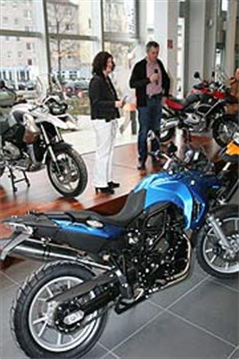 Bmw Motorrad Niederlassung M Nchen Telefonnummer by Start In Die Neue Motorradsaison 2008 Im Motorrad Zentrum