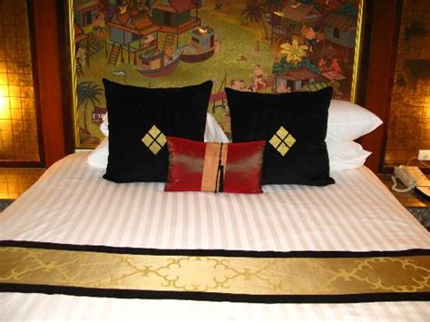 comfy bed pillows comfy bed pillows a tad too soft tho picture of banyan