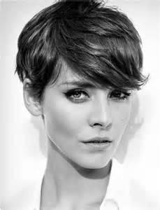 kurzhaarfrisuren gestuft damen 40 coole kurze frisuren neue kurz haarschnitte