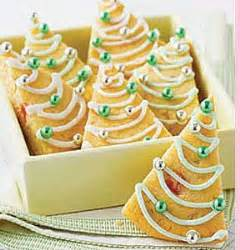 irish shortbread christmas tree cookies 126 best as scottish as shortbread images on kitchens shortbread biscuits and