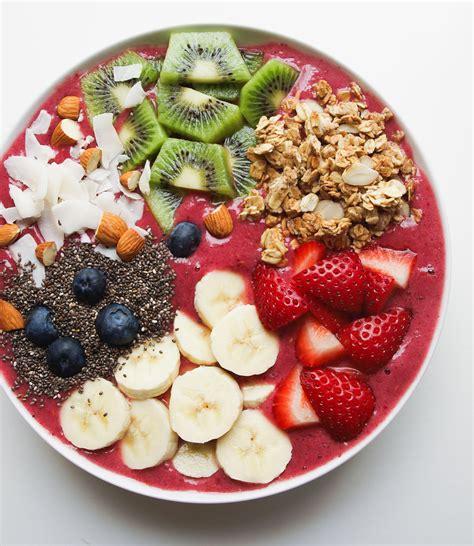 Mix Fruits Raisin Berry R B enlighten smoothie bowl the simple veganista