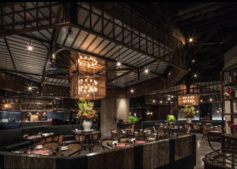 stunning mott restaurant  nestled    bank