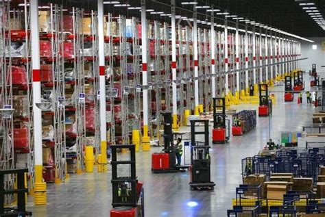 Rak Warehouse a look inside amazon s gleaming warehouse