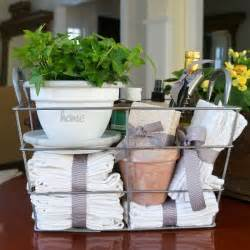 Gifts For House Warming Best 25 Housewarming Gifts Ideas On Hostess