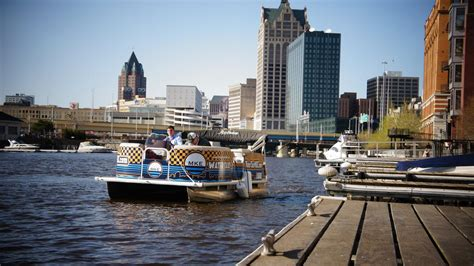 public boat launch milwaukee river river water taxi service starts this weekend milwaukee