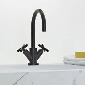schwarze armaturen tara dornbracht ein moderner armaturen klassiker