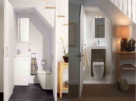 gambar desain kamar mandi dibawah tangga desain kamar mandi bawah tangga manfaatkan area kecil