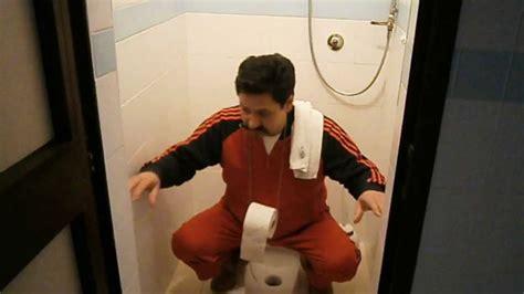 bagno turco nudi invenzioni inutili ma utili sospensorio carta igienica per