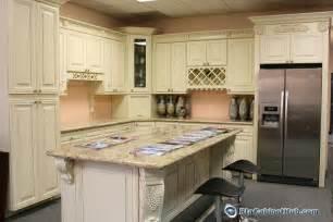 Cream Kitchen Cabinets With Glaze Cream Maple Glaze French Vanilla Rta Kitchen Cabinets