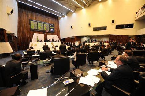 reajuste veio com o envio do projeto de lei do orcamento da uniao de deputados aprovam reajuste dos servidores como prop 244 s o