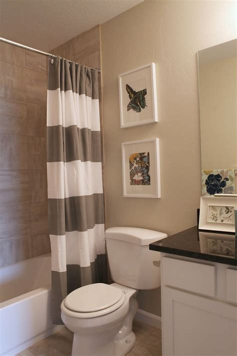 what color to paint a small bathroom to make it look bigger best brown bathroom paint ideas on pinterest bathroom