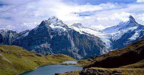 Gambar Pegunungan gambar pegunungan bersalju indah