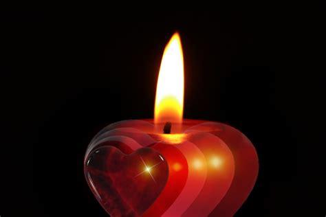 imagenes de velas rojas encendidas kostenloses foto kerze advent feier weihnachten