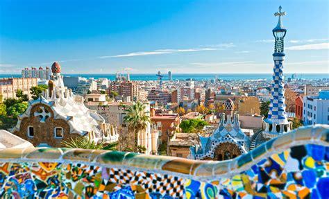 barcelona kota 7 tempat wiasta kota di spanyol yang terkenal memiliki