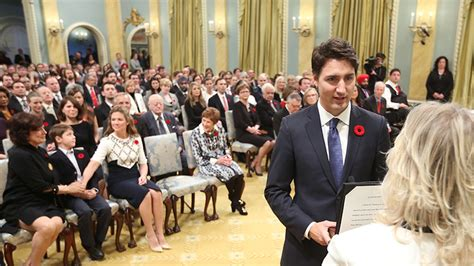 New Federal Cabinet Canada by 04 Nov 2015 T 226 N Th盻ァ T豌盻嬾g Canada Nh蘯ュm Ch盻ゥc New Prime M