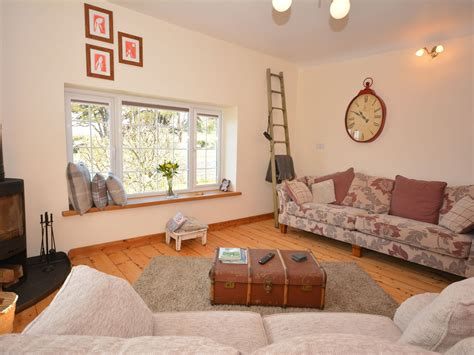 1 bedroom cardiff pebbles cottage gileston dog friendly cottage in cardiff