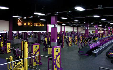 membership types planet fitness planet fitness member denied entrance over head covering