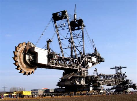 world s largest trencher humongous 45 500 ton machine the largest digging machine