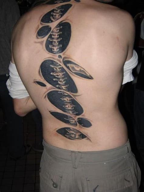 tattoo 3d on back 3d spine tattoo on back amazing tattoos pinterest d