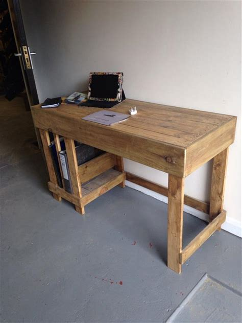 Handmade Furniture Plans - diy wood pallet office computer desk pallet furniture plans