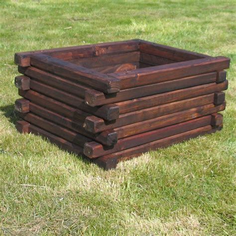 Wooden Planters Make Your Garden Luxuries And Beautiful With Wooden