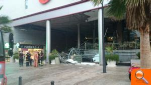 cinco metros cuadrados torrent cinco heridos tras caer un falso techo en el centro
