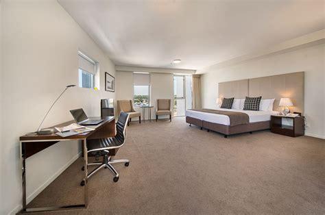 king studio hotel room empire rockhampton