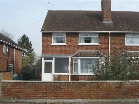 3 bedroom houses for sale in swindon 3 bedroom house for sale in upham road old walcot