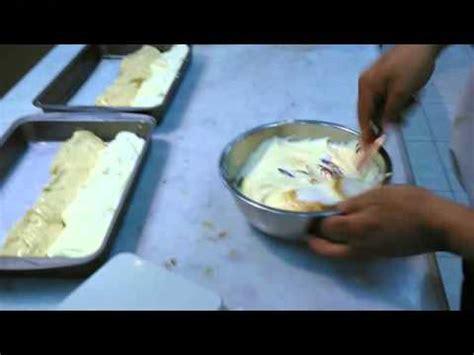 cara membuat kue bolu gulung batik kue bolu bercorak batik net12 doovi
