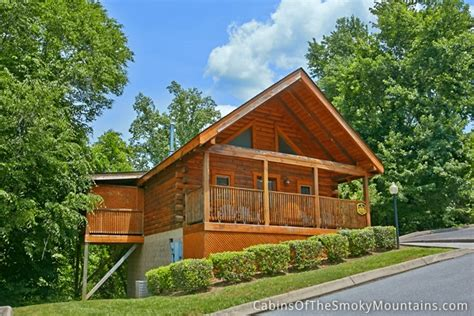 pigeon forge cabin cozy and convenient 1 bedroom