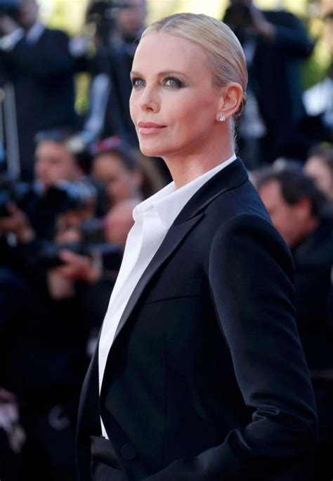 Last Face 2016 Full Movie Charlize Theron The Last Face Premeire At 2016 Cannes Film Festival 16 Gotceleb