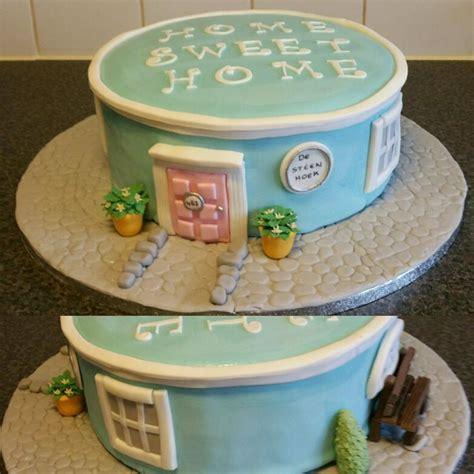 home decorated cakes best 25 housewarming cake ideas on pinterest house cake