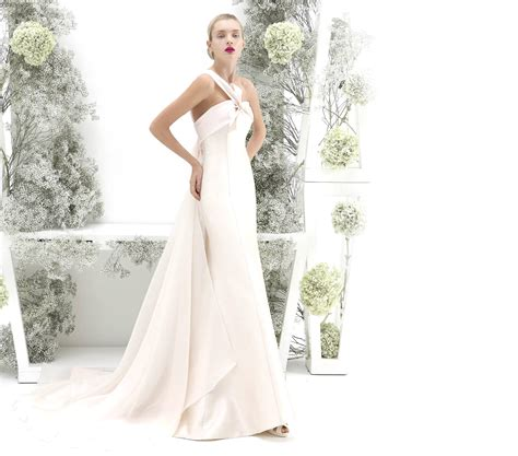 classy style wedding dresses collection 2011 from