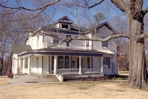 ernest hemingway home file hemingway house piggott jpg wikimedia commons