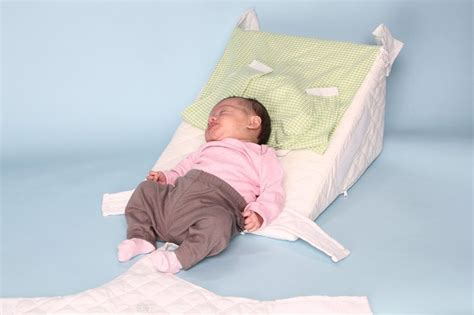 Anti Reflux Pillow Baby by 17 Best Images About Kinderen On Sippy Cups Sleep And Pool Noodles