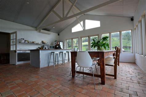 houzz  year  mud brick home farmhouse kitchen adelaide  jeni lee