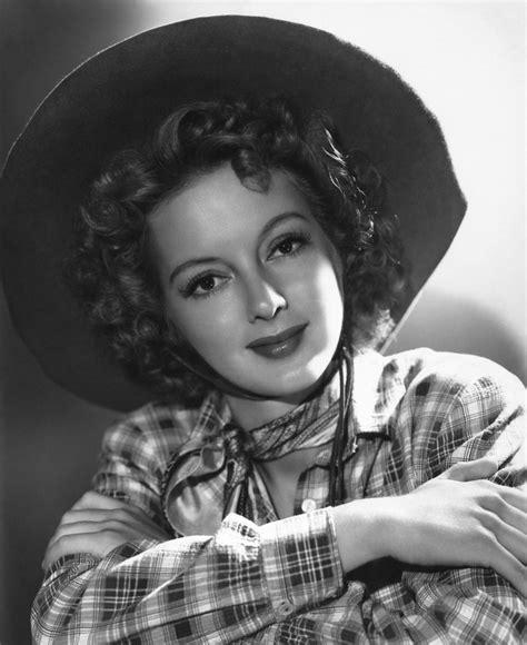 western film heroines evelyn keyes gwtw evelyn keys actress pinterest
