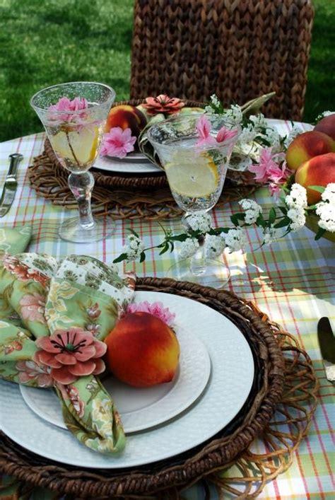summer table settings shapiro s garden summer outdoor table setting