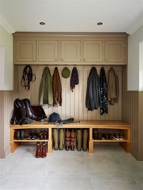 bespoke panelling lines  davonport boot room painted