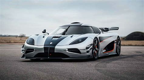 koenigsegg agera r 2017 2017 koenigsegg agera r hd car wallpapers free