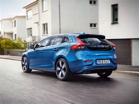 volvo v40 t5 drive e launched 245 hp 8at rm193k image
