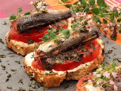 origan frais en cuisine sardines en tartines au fromage frais 224 l ail tomate